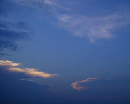 7月11日午後6時38分の空.jpg
